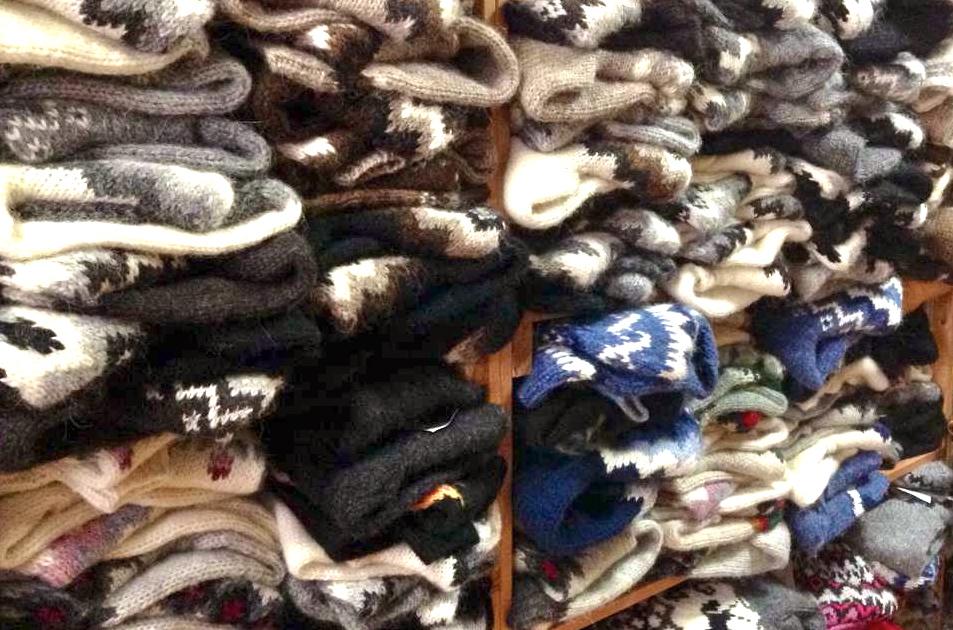 Die Pullis und Jacken gibt es in allen erdenklichen Formen und Farben
