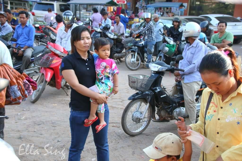 Mopeds in Kambodscha
